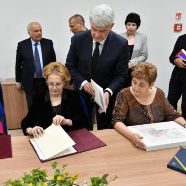 Potenziare la collaborazione bilaterale nell'ambito dell'assistenza medica e della ricerca scientifica